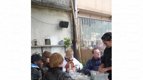 就連外國人都特地來蘇廬「嘆」茶。