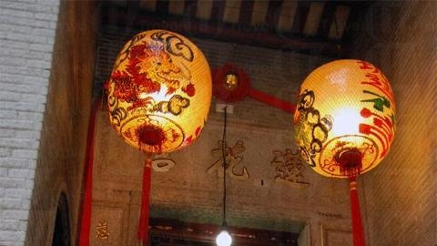 有別於一般廟宇的簡單大氣建築,蓮花宮設計風格小巧精緻。