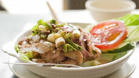 炎炎夏日,一客清涼的泰式豬頸肉沙律( $62 )令人消暑。