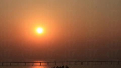 看著金黃色的夕陽在西部通道後方徐徐落下,即時覺得就算上山路崎嶇亦是值得的。