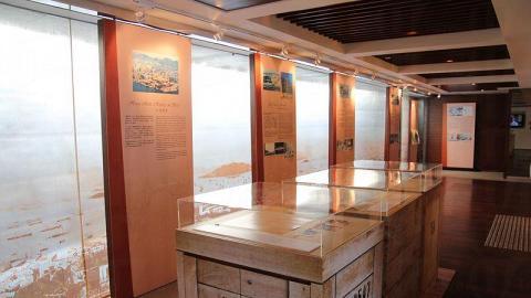 想要對海旁歷史有更深認識,不妨到前身為防空洞的展覽館參觀。