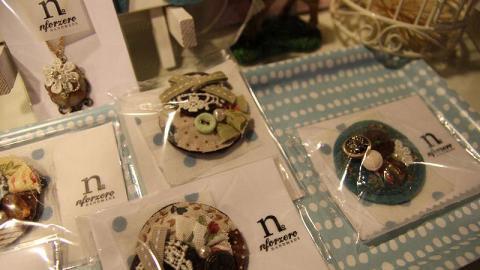 手作達人親手製作的小飾物,最受少女歡迎。