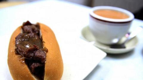若覺得撈丁和炒丁太 heavy,鬆脆的沙嗲牛肉包也是不錯的選擇。