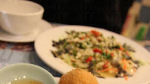 招牌醬爆蝦丸,炸得脹卜卜,賣相已非常吸引。