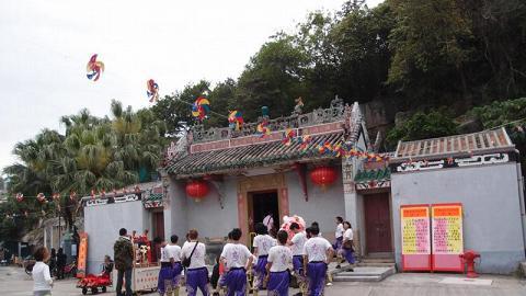天后廟料屆時人流較北帝廟少,較易拍到具氣勢的舞獅照片