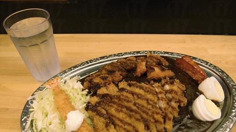 5 星特盛咖哩飯可以食勻所有配料。