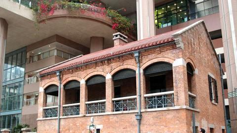 紅磚屋用作油麻地戲院辦公室,不對外開放。