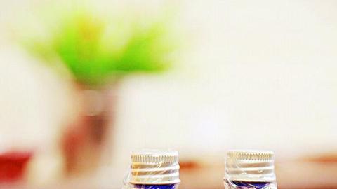 乳香花水是皮膚救星,有助解決細紋及彈性問題,而有機橙花水有美白去斑作用。