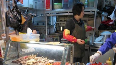 潮食派對:滷水店個辣汁好吸引,辣汁有少許麻辣,配凍食生腸、雞腎唔錯。一齊幫襯嘅哥哥仔買左四次,停唔到口!
