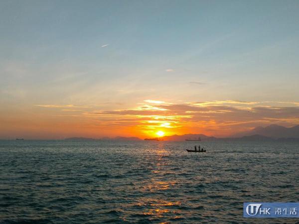 與另一半在海濱看日落相當浪漫