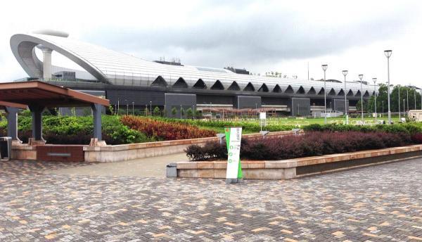 遊輪碼頭近景,內有餐廳及商店  (圖片來源:起動九龍東)
