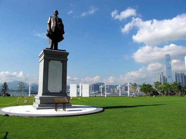 公園位於西營盤,大草坪環境優美,假日遊人亦不多 (圖片來源:UTravel)