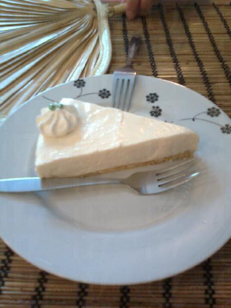 豆腐芝士餅是必食之選,清新的豆香配上滑溜芝士,令人一吃難忘。