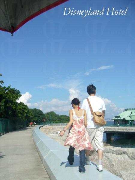 天籟人籟, 與摯愛攜手遊碼頭譜出冬日戀曲。