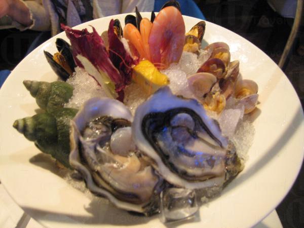 再來Close up,千變幻化的海鮮大燴告訴我們食物原來可以是藝術品。