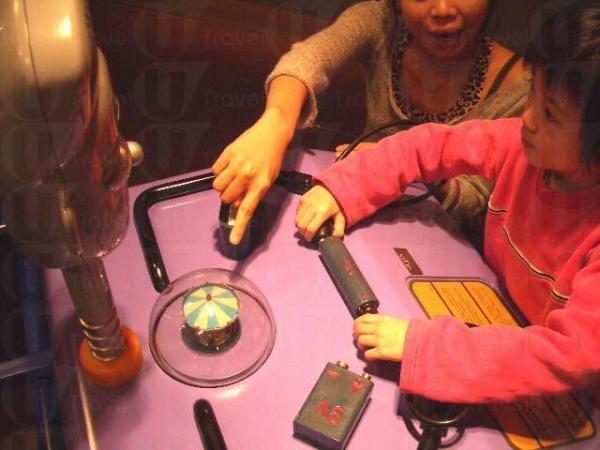 孩子即使不懂科學原理,也會玩過不亦樂乎。