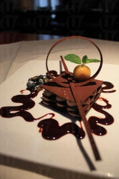 吃過甜品感覺更加圓滿,榛子杏仁特式($35)就是一個完美句號。(陸嘉鈴攝)