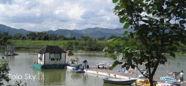 湖心是浪漫小屋,如進入安徒生的童話世界。
