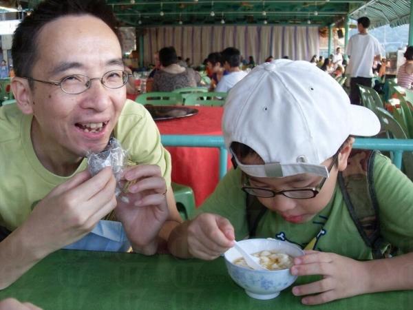 糯米糍和熱豆腐花很好味啊。