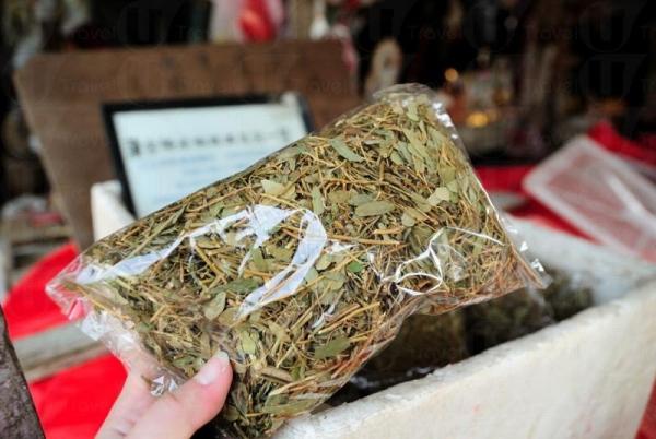 島上出產相思茶,$5 / 包,據說有減肥功效,愛美女士要一試了。