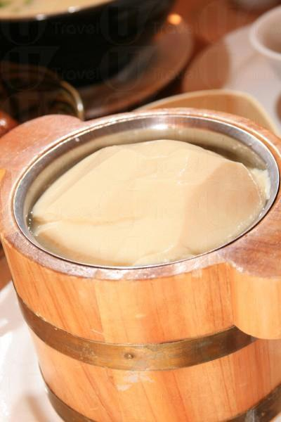 三寶之一的山水豆腐花,入口軟滑。
