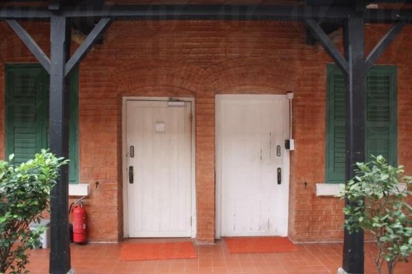以前的校舍一隅現在已成為儲物室。