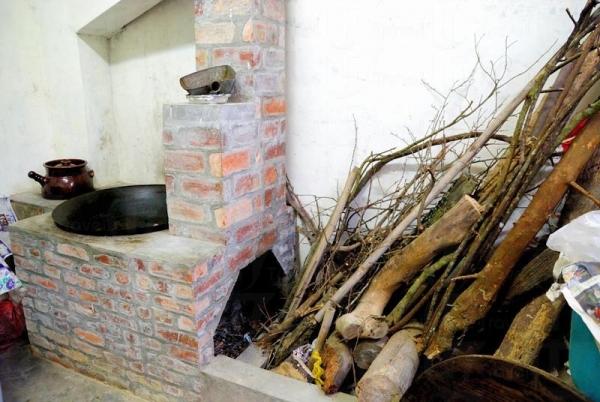 傳統味道的秘方就在這磚灶頭,以傳統柴火方法煮菜,更添風味。