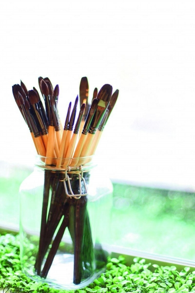 畫室會提供畫具和顏料,非常方便。
