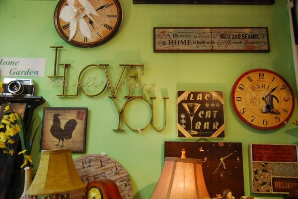 在眾多割愛小物當中,這個 I Love You 掛字是店主非賣品。