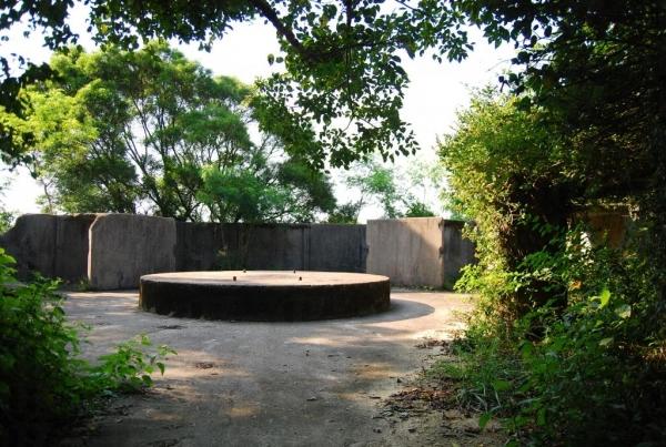 松林廢堡是香港難得保存完好的二戰防空設施。