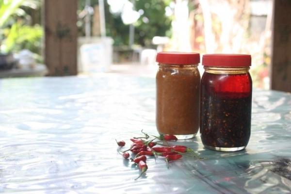 期間限定的自家製黃皮醬和辣椒油(各 $35 ),純天然無添加,售完即止。