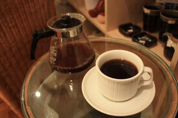 咖啡香房只在周末和假期供應咖啡,$25 一杯。