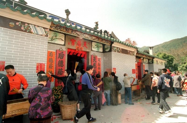 一到周末、新年,天后廟就會變得人頭湧湧,香火鼎盛。(相片來源︰香港經濟日報)