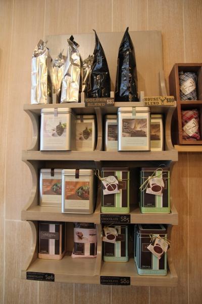 Cowboy Seven 有咖啡豆出售,另外亦有朱古力粉和茶包,喜歡的話不妨買回家「慢慢嘆」。