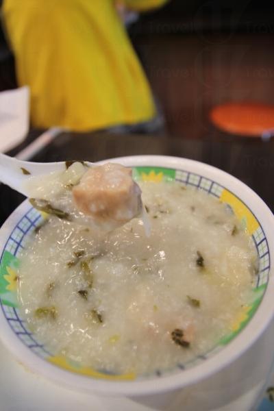 菜乾豬骨粥最喜好清淡口味者的首選。