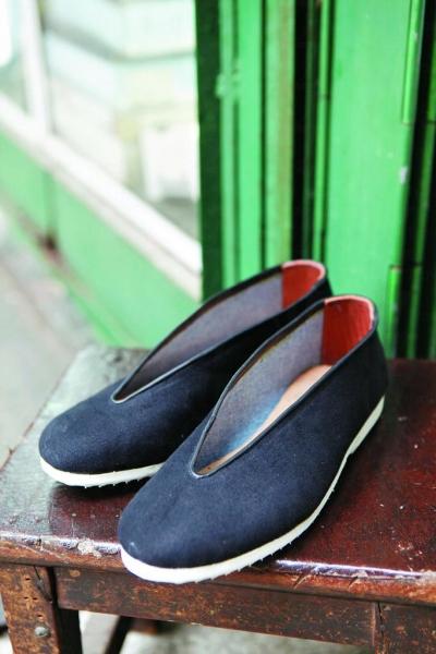 功夫鞋 $320