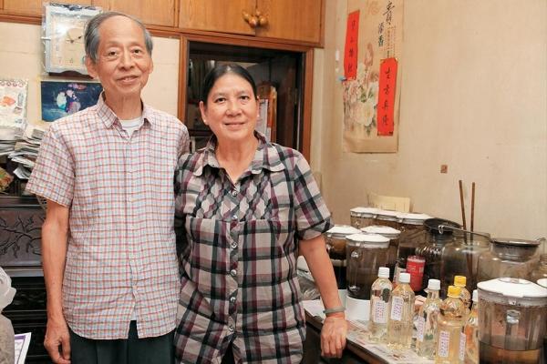 年屆八旬莫生與太太