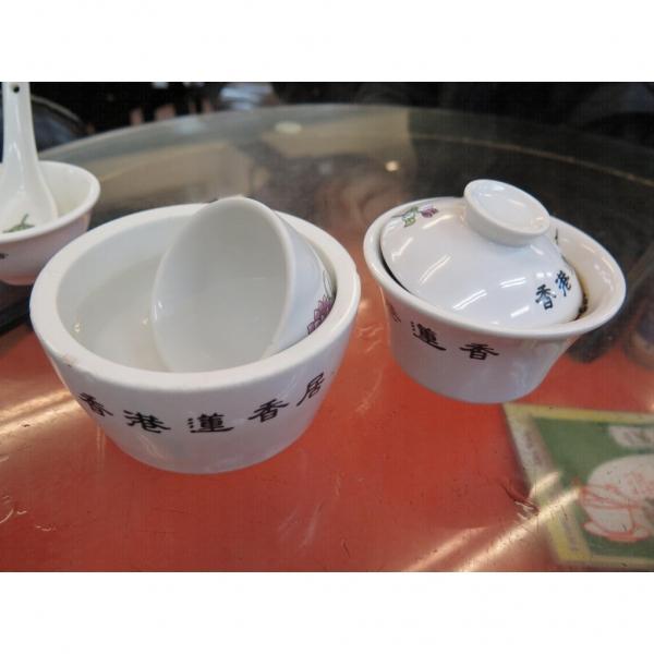 飲茶之前先洗食具。