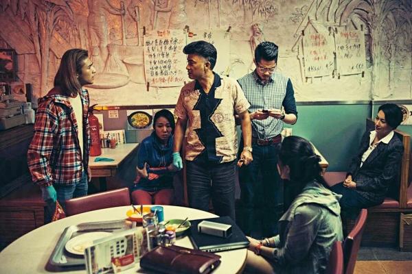 餐廳 24 小時營業,僅是借場予《紅 Van》拍攝才於凌晨時間關店幾天。
