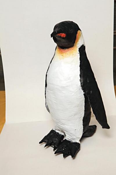 企鵝栩栩如生,遠看跟海x公園內真正企鵝差不多。