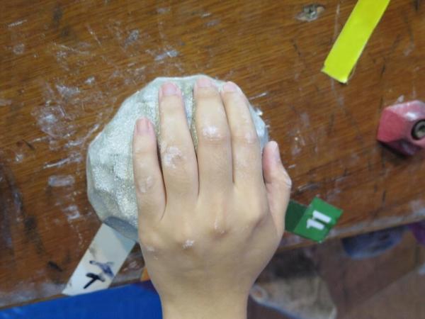 Sloper:圓球石塊,初學者比較難捉緊,按著圓球比較易用