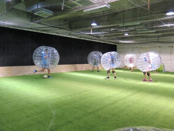 透明泡泡不阻礙球員視線,一樣可以發揮技術