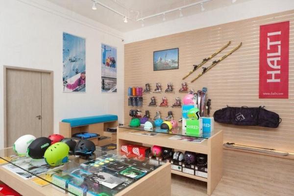 PLAY Store有售最新的滑雪服、裝備及其他配備 (圖:321PLAY)