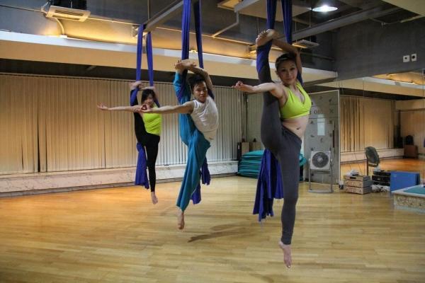 香港的空中瑜伽早在 2010 由香港瑜伽協會主席 Dickson 首先帶起。 (圖:Dickson Yoga)