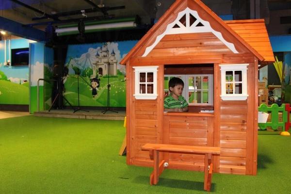同其他小朋友一齊在小人國花園傾密計(圖:Play House提供)